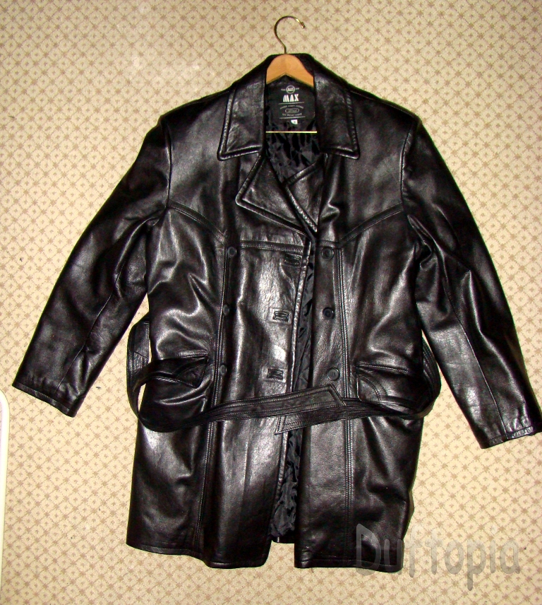 Trade max Medium sized womans leather coat