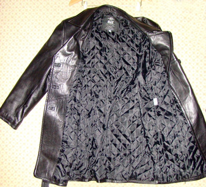 Trade max Medium sized womans leather coat (1)